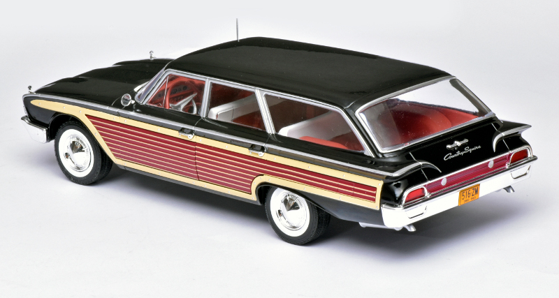 118 MCG Ford Country Squire achter