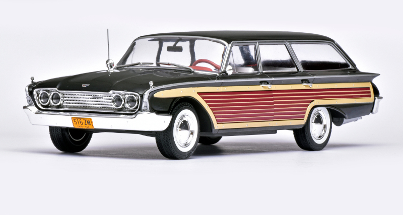 118 MCG Ford Country Squire