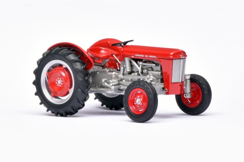 132 Universal Hobbies Ferguson 35 (1958)