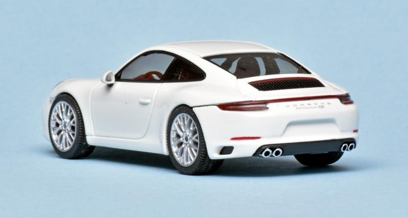 143 Herpa Porsche 991 Carrera 4S achter