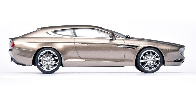 143 Matrix Aston Martin Virage Shooting Brake Zagato (2014) zijkant