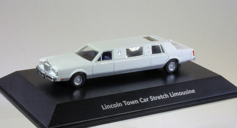 187 BoS Lincoln Town Car Stretched Limo (1988)