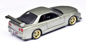 Brute Nissan Skyline van Greenlight Artisan