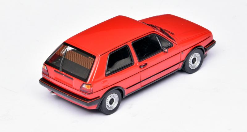 143 Maxichamps Volkswagen Golf II GTI (1985) achter