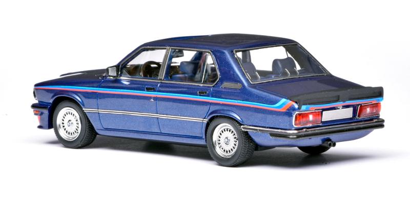 143 Neo BMW M535i E12 (1978) achter