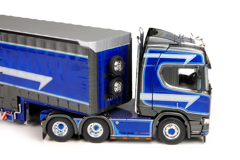 150 Tekno Scania R Highline Truckstar detail