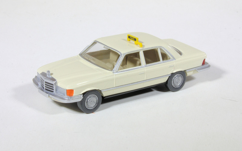 187 Wiking Mercedes-Benz 450SE Taxi