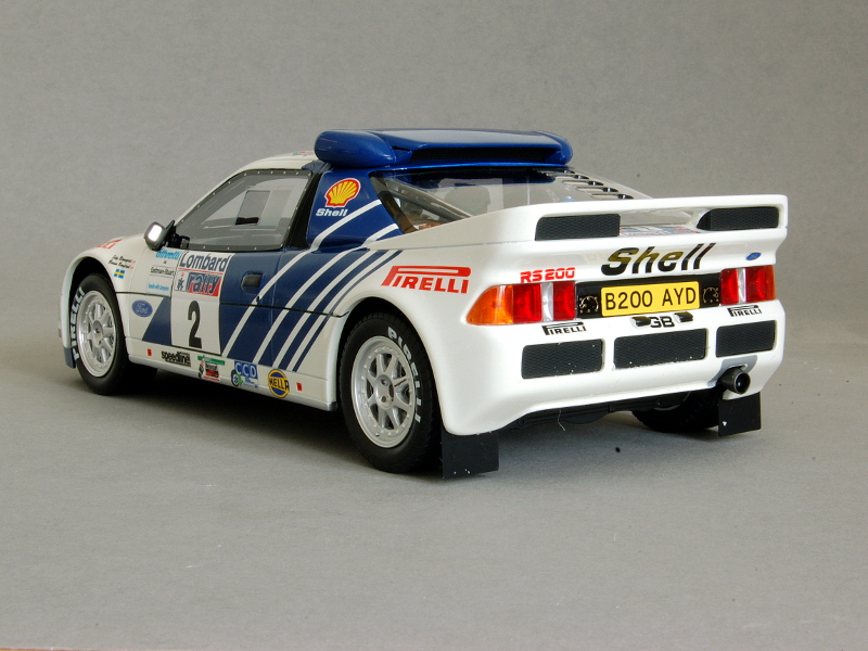 118 OttOmobile Ford RS200 achter