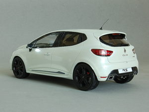 Renault Clio RS in 1:18
