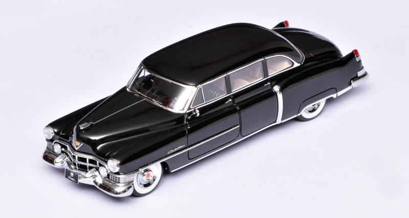 143 GLM Cadillac Fleetwood Series 75 (1951) boven