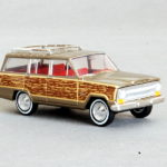 187 Brekina Jeep Wagoneer Woody