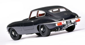 1:18 E-Type van Cult