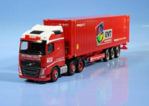 Volvo truck van Herpa