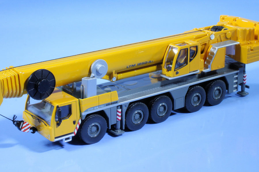 Liebherr in 1:87