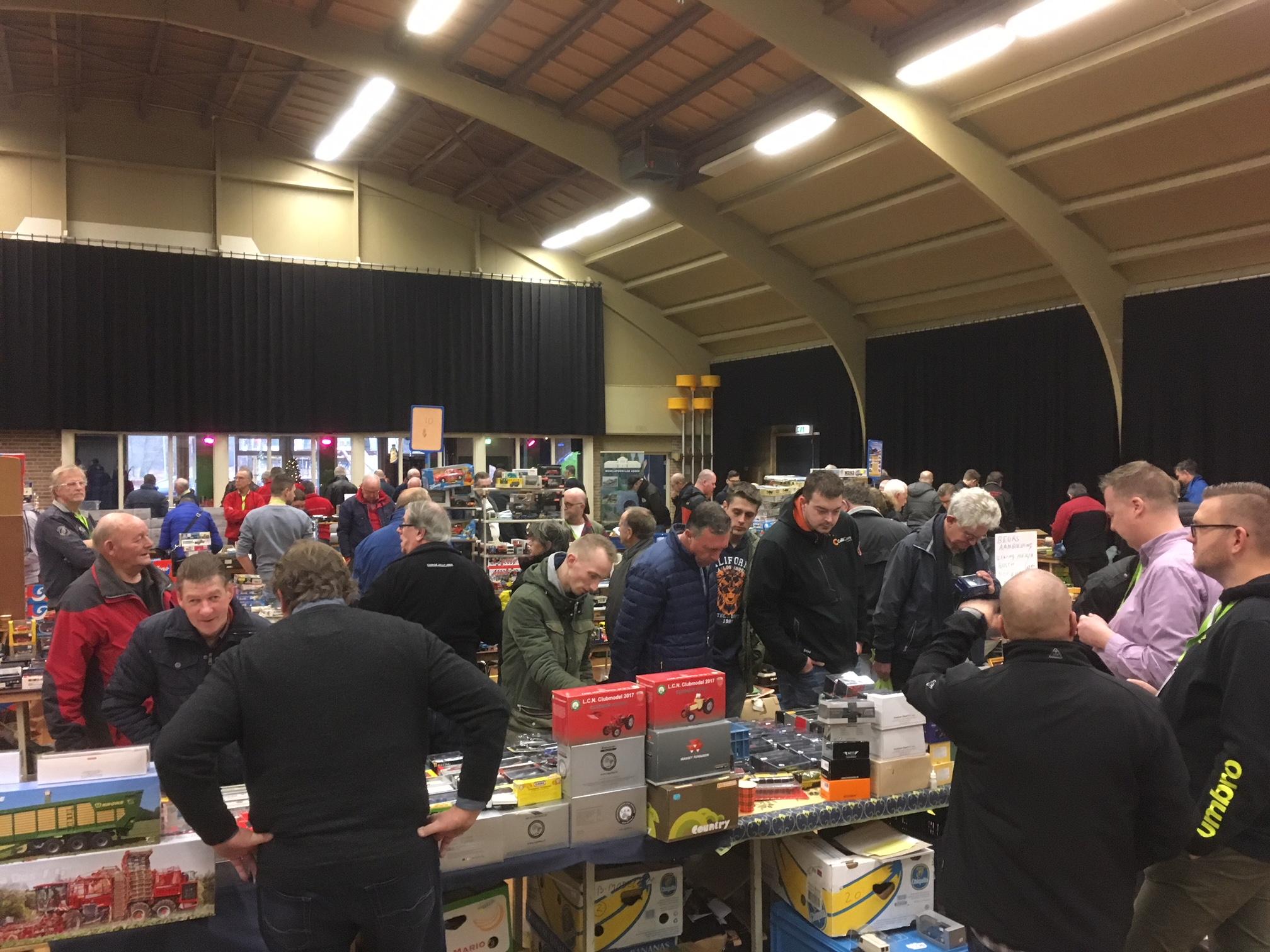 Modelbouwmarkt en Autominiaturenbeurs Leek (21 december 2019)