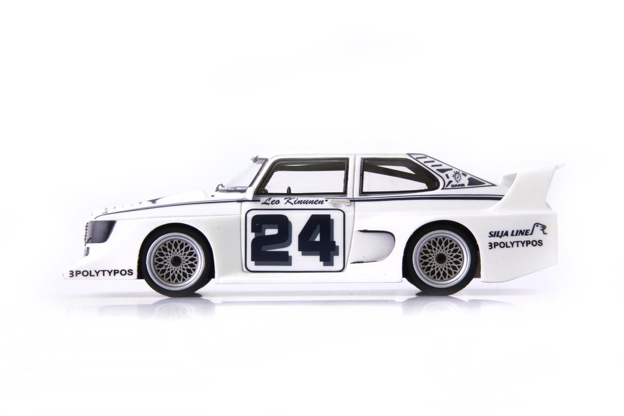 Race Saab